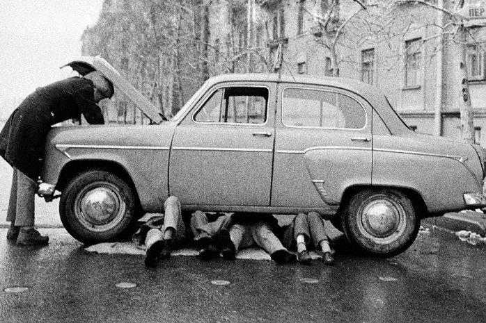 Семейный ремонт автомобиля